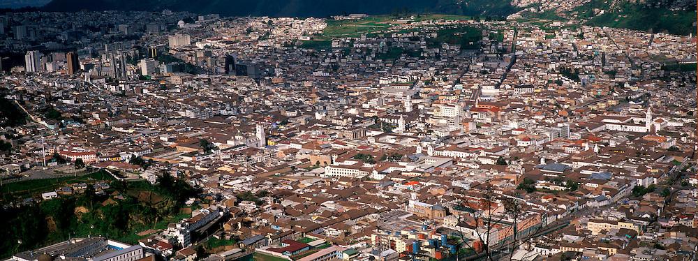 ECUADOR, QUITO CITYSCAPE colonial Plaza de Independence