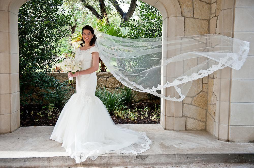 10/9/11 3:58:08 PM -- Zarines Negron and Abelardo Mendez III wedding Sunday, October 9, 2011. Photo©Mark Sobhani Photography