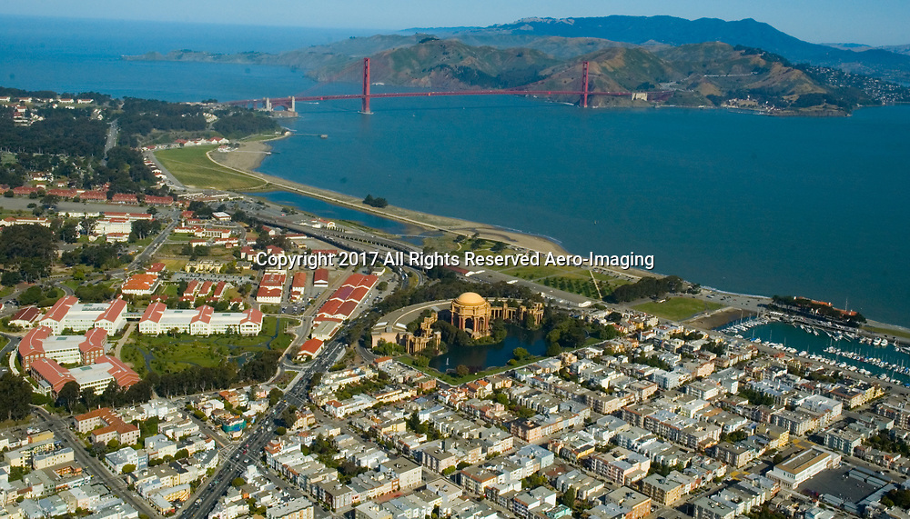 Aerial view of the Palace of Fine Arts and <br /> Presidio San Francisco  California