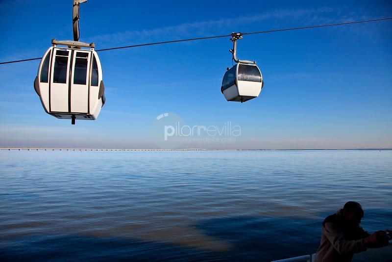 Cable car in Vasco de Parque das NaÁıes in Lisbon, Portugal © / PILAR REVILLA