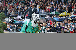 23.07.2017, Aachener Soers, Aachen, GER, CHIO Aachen, im Bild Gewinner, Sieger, 1. Platz: Gregory Wathelet (BEL) auf seinem Pferd Coree, Ehrenrunde im Aachener Regen // during the CHIO Aachen World Equestrian Festival at the Aachener Soers in Aachen, Germany on 2017/07/23. EXPA Pictures © 2017, PhotoCredit: EXPA/ Eibner-Pressefoto/ Roskaritz<br /> <br /> *****ATTENTION - OUT of GER*****