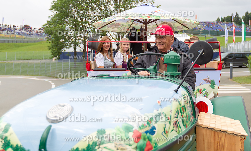 20.06.2015, Red Bull Ring, Spielberg, AUT, FIA, Formel 1, Grosser Preis von Österreich, Qualifying, im Bild Niki Lauda, (AUT, Mercedes AMG Petronas F1 Team) fährt mit einem Traktor // during the Qualifying of the Austrian Formula One Grand Prix at the Red Bull Ring in Spielberg, Austria, 2015/06/20, EXPA Pictures © 2015, PhotoCredit: EXPA/ JFK