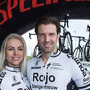 NLD/Ridderkerk/20140418 - Perspresentatie Sterrenfietsteam 2014, Bas Muijs en partner Sabine Vas Nunes