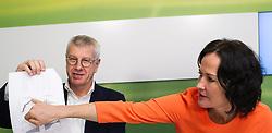 13.03.2015, Grüner Klub, Wien, AUT, Gruene, Pressekonferenz zum Thema: Bewertung der Steuerreformvorschläge der Regierung. im Bild v.l.n.r. Nationalratsabgeordneter der Grünen Bruno Rossmann und Grüne Klubobfrau Eva Glawischnig // f.l.t.r. Member of Parliament the Greens Bruno Rossmann and Leader of the parliamentary group the greens Eva Glawischnig<br />  during press conference of the greens according to tax reformation at press office in Vienna, Austria on 2015/03/13. EXPA Pictures © 2015, PhotoCredit: EXPA/ Michael Gruber