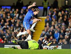 04.12.2010, Stamford Bridge, London, ENG, PL, FC Chelsea vs FC Everton, im Bild Tim Cahill of Everton collides with Petr Cech of Chelsea as John Terry of Chelsea jumps over both of them..Chelsea v Everton, .English Premiership,.Stamford Bridge, London. UK. .4/11/10. EXPA Pictures © 2010, PhotoCredit: EXPA/ IPS/ Mark Greenwood +++++ ATTENTION - OUT OF ENGLAND/UK and FRANCE/FR +++++