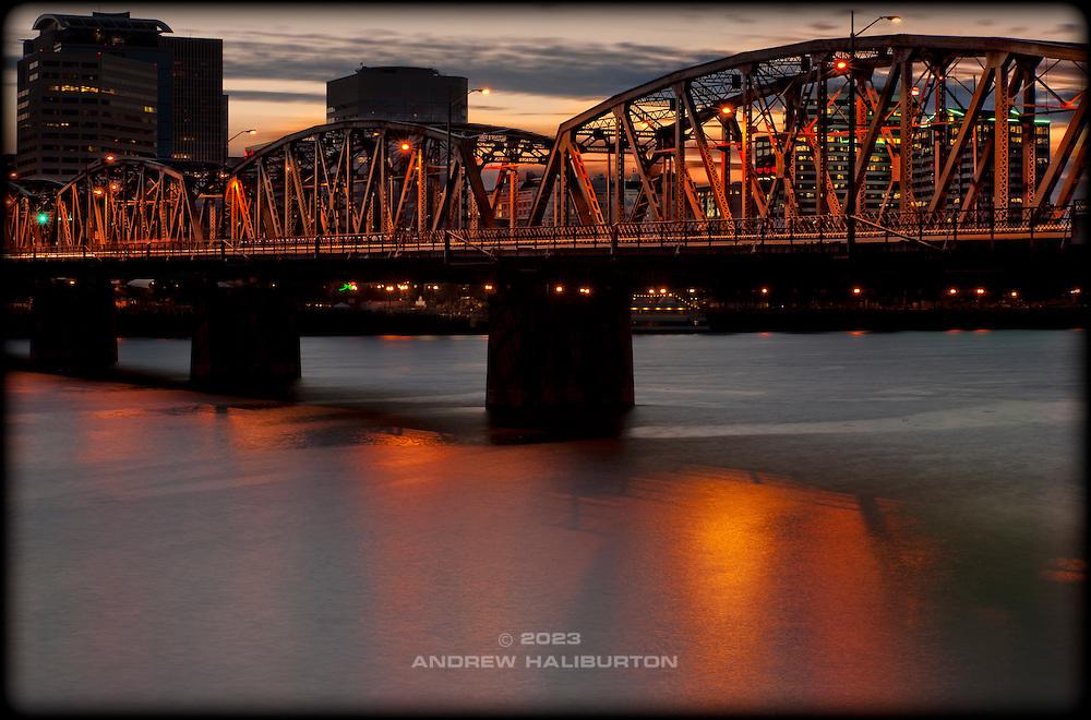 Hawthorne Bridge and Willamette River, Portland, Oregon.