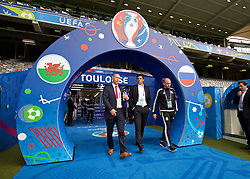 TOULOUSE, FRANCE - Sunday, June 19, 2016: Wales' head of pubic affairs Ian Gwyn Hughes, manager Chris Coleman and performance psychologist Ian Mitchall during a training session at the Stadium de Toulouse ahead of the final Group B UEFA Euro 2016 Championship match against Russia. (Pic by David Rawcliffe/Propaganda)