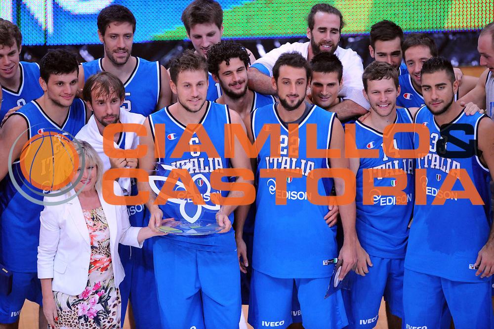 DESCRIZIONE : Trento Trentino Basket Cup Italia Polonia<br /> GIOCATORE :  Team<br /> CATEGORIA : Premiazione<br /> SQUADRA : Nazionale Italia Maschile<br /> EVENTO :  Trento Trentino Basket Cup<br /> GARA : Italia Polonia<br /> DATA : 09/08/2013<br /> SPORT : Pallacanestro<br /> AUTORE : Agenzia Ciamillo-Castoria/Max.Ceretti<br /> Galleria : FIP Nazionali 2013<br /> Fotonotizia : Trento Trentino Basket Cup Italia Israele<br /> Predefinita :
