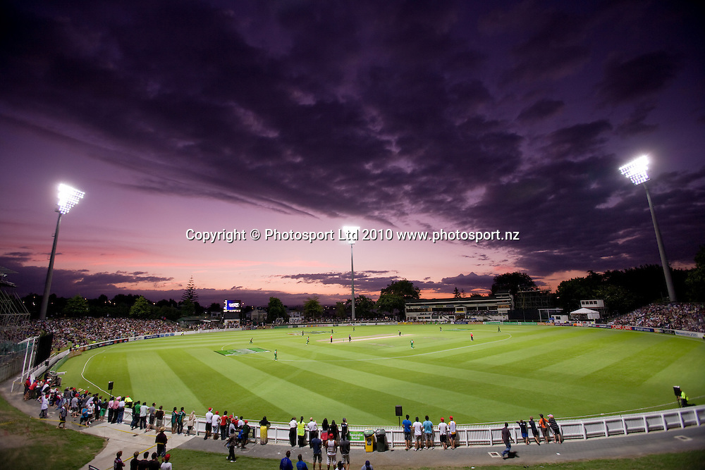 A general view with sunset during the National Bank Twenty20 Series cricket match between Bangladesh and New Zealand Blackcaps won by 10 wickets by the Blackcaps at Seddon Park, Hamilton, New Zealand, Wednesday 03 February 2010. Photo: Stephen Barker/PHOTOSPORT