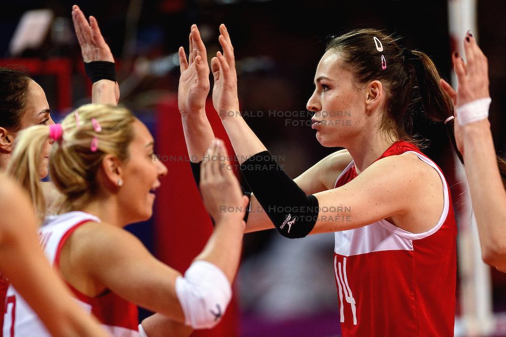09-01-2016 TUR: European Olympic Qualification Tournament Turkije - Italie, Ankara<br /> De strijd om de tweede Japan ticket wordt gewonnen door Italie. Turkije verliest in de 5de set met 13-15 / Eda Erdem Dundar #14 of Turkey