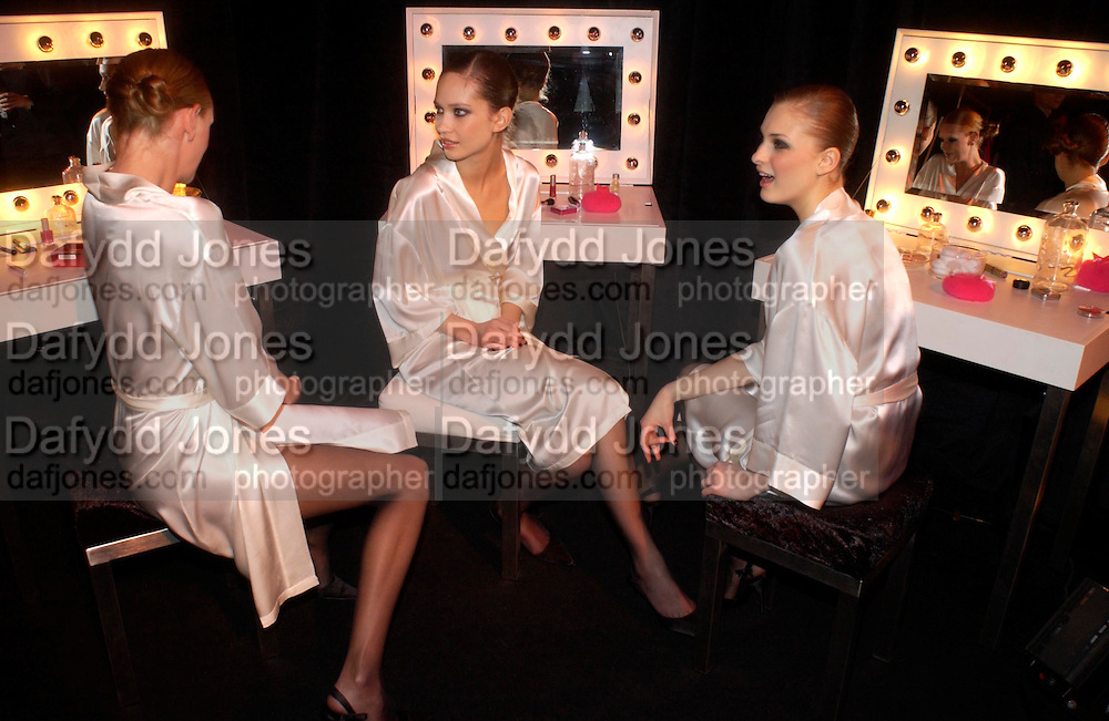 Olivia Inge, Talia Selivanova and Dominyka Gajauskaite, Dinner to unveil the Van Cleef & Arpels jewellery collection 'Couture' with fashion by Anouska Hempel Couture. The Banqueting House, Whitehall Palace, London on 8th March 2005.ONE TIME USE ONLY - DO NOT ARCHIVE  © Copyright Photograph by Dafydd Jones 66 Stockwell Park Rd. London SW9 0DA Tel 020 7733 0108 www.dafjones.com