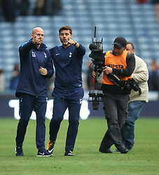 Tottenham Hotspur manager Mauricio Pochettino (C) applauds the fans at the final whistle - Mandatory by-line: Jack Phillips/JMP - 30/09/2017 - FOOTBALL - The John Smith's Stadium - Huddersfield, England - Huddersfield Town v Tottenham Hotspur - English Premier League