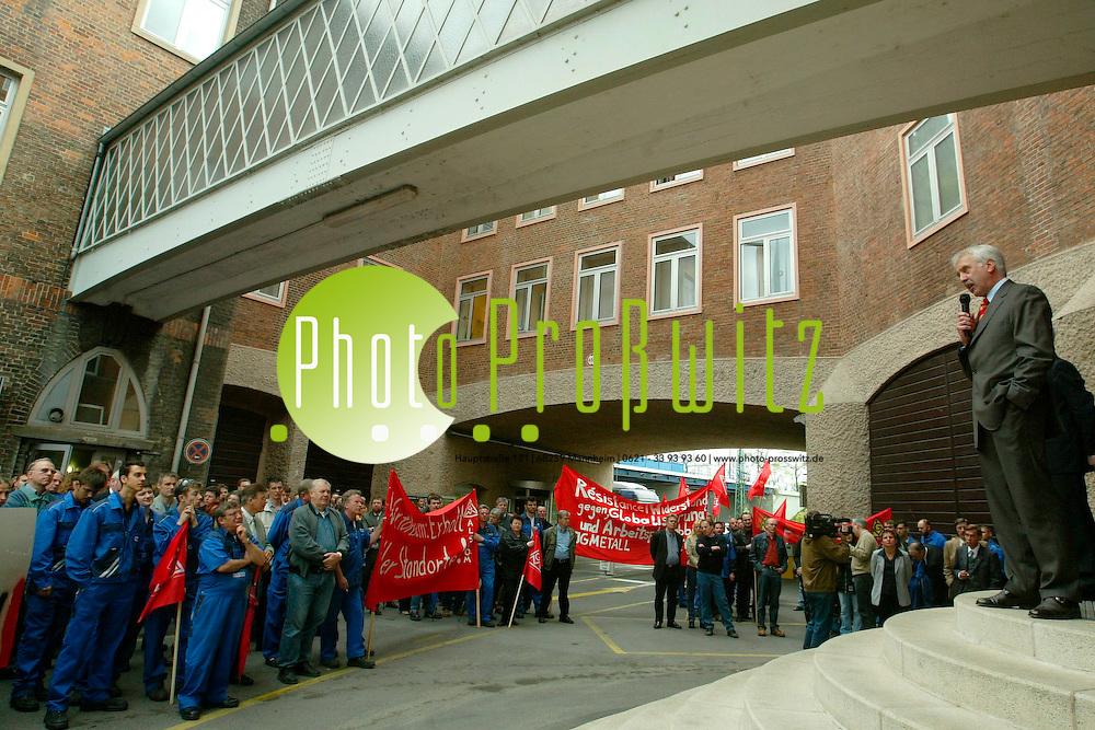Mannheim. Demo am Tor 1 von ABB Pr&auml;sident Alstom Dt.    Stuberich<br /> <br /> Bild: Markus Pro&szlig;witz
