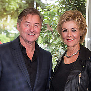 NLD/Laren/20140512 - Anita Meijer ontvangt de Radio 5 Nostalgia Ouevreprijs , Jan Keizer en Anny Schilder
