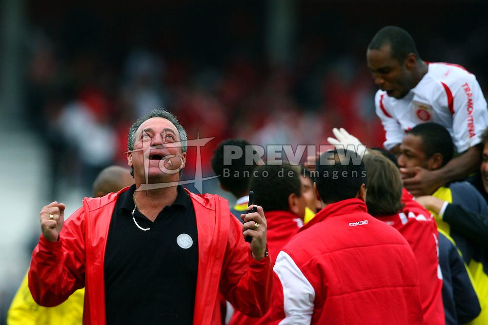 O técnico Abel Braga durante a final do campeonato gaúcho 2008. FOTO: Jefferson Bernardes/Preview.com