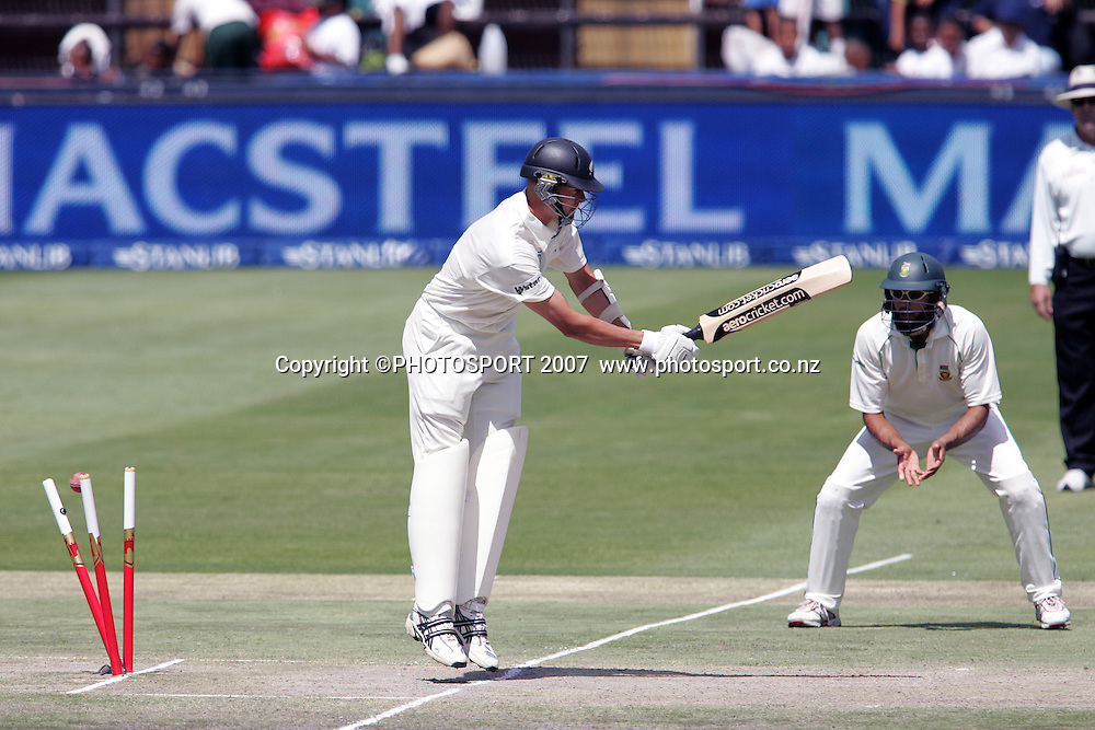South Africa v New Zealand. International cricket 1st Test. The wicket of Chris Martin falls to end the test match at the New Wanderers Stadium, Johannesburg, South Africa. Sunday 11 November 2007. Photo: Ron Gaunt/PHOTOSPORT