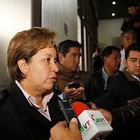 Toluca, México.- Marisela Serrano, alcaldesa de Ixtapaluca y líder de Movimiento Antorchista acudió a las instalaciones de la PGJEM para conocer los avances de la investigación por la desaparición de su padre, Manuel Serrano Valle.  Agencia MVT / Crisanta Espinosa