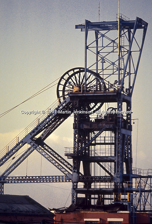 Pit headgear at Silverwood Colliery, Thrybergh. British Coal South Yorkshire Area.14.10.1991.