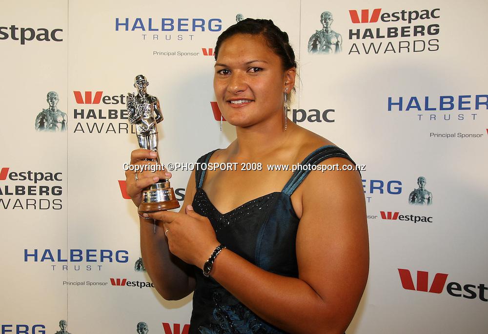 Supreme Award Winner Valerie Vili. . Westpac Halberg Awards, Vector Arena, Auckland, New Zealand. Tuesday 3rd February 2009. Photo: Andrew Cornaga/PHOTOSPORT