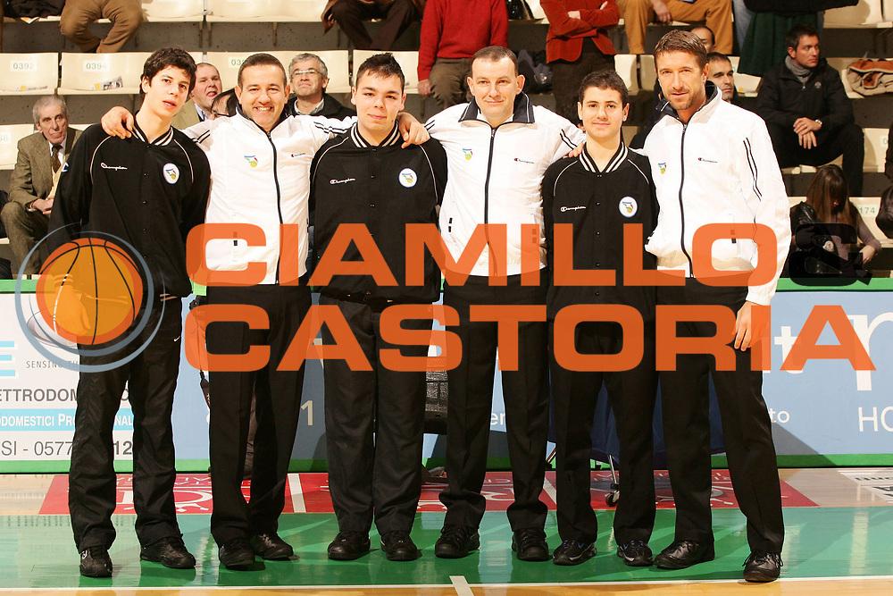 DESCRIZIONE : Siena Lega A1 2008-09 Montepaschi Siena Armani Jeans Milano<br /> GIOCATORE : Fabio Facchini Gianluca Mattioli  Davide Ramilli<br /> SQUADRA : AIAP<br /> EVENTO : Campionato Lega A1 2008-2009 <br /> GARA : Montepaschi Siena Armani Jeans Milano<br /> DATA : 18/01/2009 <br /> CATEGORIA : ritratto<br /> SPORT : Pallacanestro <br /> AUTORE : Agenzia Ciamillo-Castoria/P.Lazzeroni