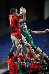 James Down of London Welsh wins lineout ball- Photo mandatory by-line: Patrick Khachfe/JMP - Mobile: 07966 386802 23/11/2014 - SPORT - RUGBY UNION - Oxford - Kassam Stadium - London Welsh v Leicester Tigers - Aviva Premiership