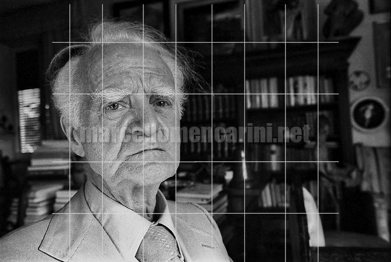 Rome, 1979. Italian writer Leonida Repaci in his house / Roma, 1979. Lo scrittore Leonida Repaci nella sua casa - © Marcello Mencarini