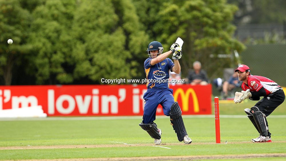 Aaron Redmond attempts to pull the ball through mid-wicket.<br /> Twenty20 Cricket - HRV Cup, Otago Volts v Canterbury Wizards, 13 January 2012, University Oval, Dunedin, New Zealand.<br /> Photo: Rob Jefferies/PHOTOSPORT