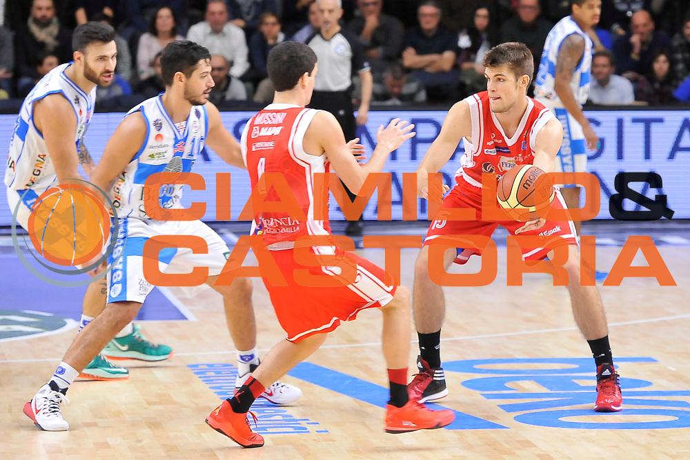 DESCRIZIONE : Campionato 2014/15 Dinamo Banco di Sardegna Sassari - Grissin Bon Reggio Emilia<br /> GIOCATORE : Ojars Silins<br /> CATEGORIA : Passaggio<br /> SQUADRA : Controcampo<br /> EVENTO : LegaBasket Serie A Beko 2014/2015<br /> GARA : Dinamo Banco di Sardegna Sassari - Grissin Bon Reggio Emilia<br /> DATA : 22/12/2014<br /> SPORT : Pallacanestro <br /> AUTORE : Agenzia Ciamillo-Castoria / Luigi Canu<br /> Galleria : LegaBasket Serie A Beko 2014/2015<br /> Fotonotizia : Campionato 2014/15 Dinamo Banco di Sardegna Sassari - Grissin Bon Reggio Emilia<br /> Predefinita :