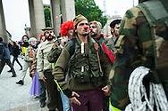 """Milano, 1° maggio 2015. Mayday contro Expo 2015. """"Guerriglia Clown""""."""
