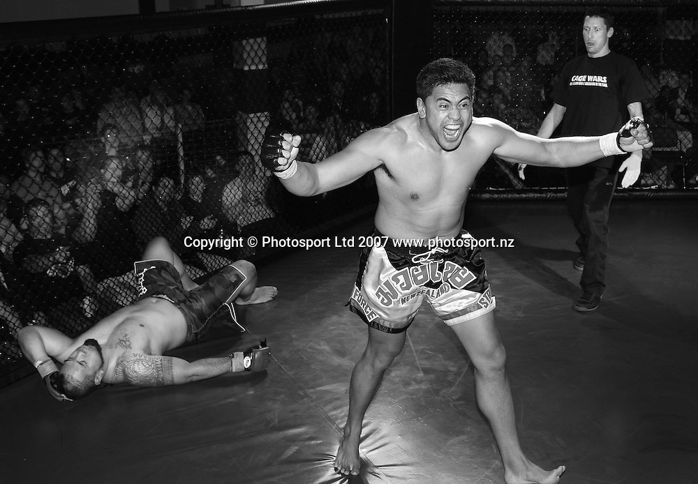 Cage fighting feature. Wellington, New Zealand. 18 September 2007. Photo: Chris Skelton/PHOTOSPORT