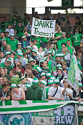 "18.05.2013, easyCredit Stadion, Nuernberg, GER, 1. FBL, 1. FC Nuernberg vs SV Werder Bremen, 34. Runde, im Bild win weiblicher Fan halt win Banner mit der Aufschrift ""DANKE Thomas!"" in die Hoehe // during the German Bundesliga 34th round match between 1. FC Nuernberg and SV Werder Bremen at the easyCredit Stadium, Nuernberg, Germany on 2013/05/18. EXPA Pictures © 2013, PhotoCredit: EXPA/ Andreas Gumz ***** ATTENTION - OUT OF GER *****"