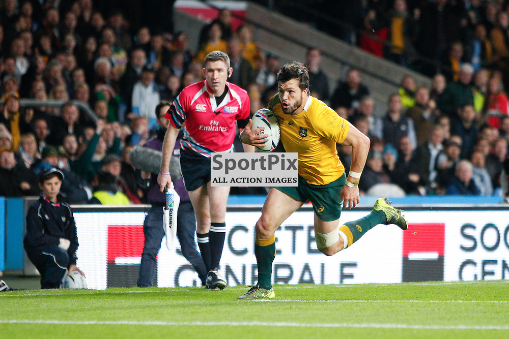 TWICKENHAM, ENGLAND - OCTOBER 25: Adam Ashley-Cooper of Australia scores during the 2015 Rugby World Cup semi-final two match between Argentina and Australia at Twickenham Stadium, London on October 25, 2015 in London, England. (Credit: SAM TODD | SportPix.org.uk)