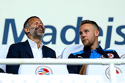 Wales Manager Ryan Giggs chats with Chris Gunter of Reading - Mandatory by-line: Robbie Stephenson/JMP - 03/08/2018 - FOOTBALL - Madejski Stadium - Reading, England - Reading v Derby County - Sky Bet Championship