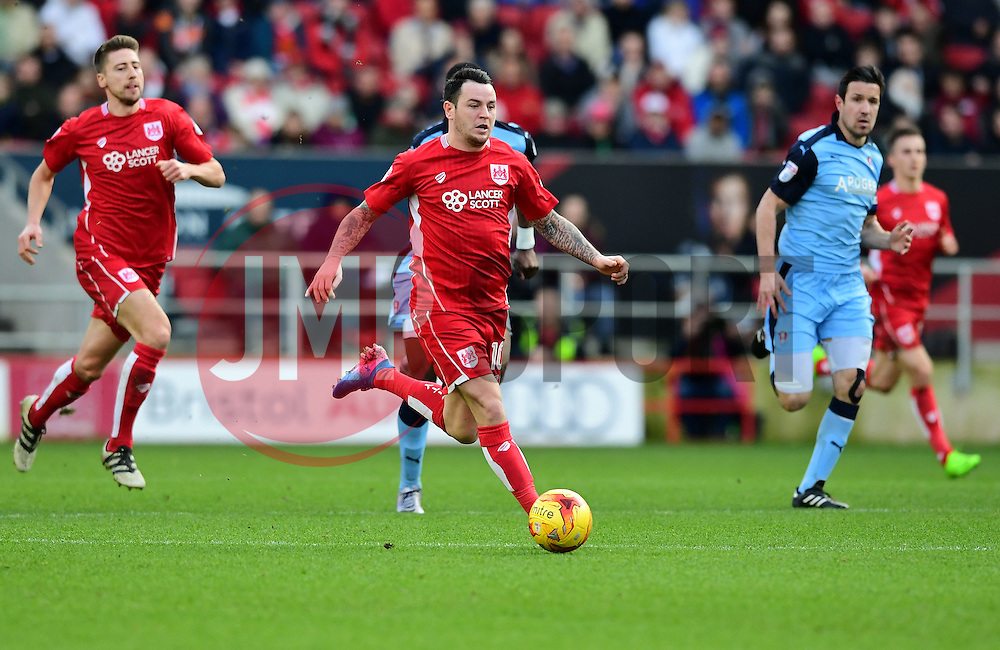 Lee Tomlin of Bristol City drives forward with the ball  - Mandatory by-line: Joe Meredith/JMP - 04/02/2017 - FOOTBALL - Ashton Gate - Bristol, England - Bristol City v Rotherham United - Sky Bet Championship