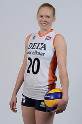 21-05-2014 NED: Selectie Nederlands volleybal team vrouwen, Arnhem<br /> Op Papendal werd het Nederlands team volleybal seizoen 2014-2015 gepresenteerd / Quirine Oosterveld