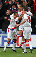 Fotball<br /> England<br /> Foto: Fotosports/Digitalsport<br /> NORWAY ONLY<br /> <br /> Crystal Palace FC vs Bristol City FC Championship 22/11/08<br /> <br /> Sean Scannell is mobbed after scoring Palace's 2nd goal.