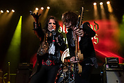 Hollywood Vampires perform on May 11, 2019 at The Greek Theatre in Los Angeles, California (Photo: Charlie Steffens/Gnarlyfotos)