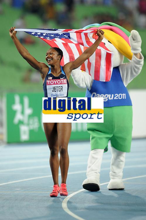 ATHLETICS - IAAF WORLD CHAMPIONSHIPS 2011 - DAEGU (KOR) - DAY 3 - 29/08/2011 - PHOTO : STEPHANE KEMPINAIRE / KMSP / DPPI - <br /> 100 M - WOMEN - FINALE - WINNER - GOLD MEDAL - CARMELITA JETER (USA)