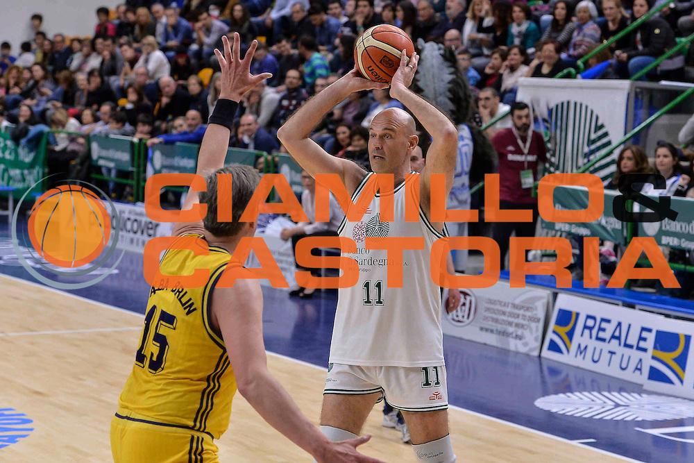 DESCRIZIONE : Dinamo Banco di Sardegna Sassari All Stars Legends Night<br /> GIOCATORE : Vinicio Mossali<br /> CATEGORIA : Passaggio<br /> SQUADRA : Dinamo Banco di Sardegna Sassari<br /> EVENTO : Dinamo Banco di Sardegna Sassari All Stars Legends Night<br /> GARA : Dinamo Banco di Sardegna Sassari - Alba Berlino Veterans<br /> DATA : 14/05/2016<br /> SPORT : Pallacanestro <br /> AUTORE : Agenzia Ciamillo-Castoria/L.Canu