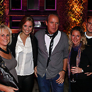NLD/Amsterdam/20081103 - Uitreiking Cosmopollitan Awards 2008, Lieke van Lexmond en haar ouders en broer Jits en zijn vriendin