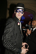 Phil Dirtbox, The Moet and Chandon Fashion Tribute 2006 Honouring British Photographer Nick Knight. Strawberry Hill House. Twickenham. 24 October 2006. -DO NOT ARCHIVE-© Copyright Photograph by Dafydd Jones 66 Stockwell Park Rd. London SW9 0DA Tel 020 7733 0108 www.dafjones.com