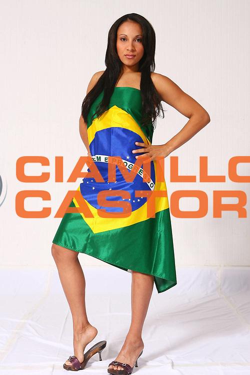 DESCRIZIONE : San Paolo Sao Paolo Brasile Brazil World Championship for Women 2006 Campionati Mondiali Donne<br /> GIOCATORE : Adriana Moises Pinto<br /> SQUADRA : Brazil Brasile<br /> EVENTO : San Paolo Sao Paolo Brasile Brazil World Championship for Women 2006 Campionati Mondiali Donne<br /> GARA : <br /> DATA : 20/09/2006 <br /> CATEGORIA : <br /> SPORT : Pallacanestro <br /> AUTORE : Agenzia Ciamillo-Castoria/ElioCastoria<br /> Galleria : world championship for women 2006<br /> Fotonotizia : San Paolo Sao Paolo Brasile Brazil World Championship for Women 2006 Campionati Mondiali Donne<br /> Predefinita :