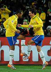 15.06.2010, Ellis Park, Johannesburg, RSA, FIFA WM 2010, Brasilien vs Nordkorea im Bild ELANO of Brazil celebrates scoring the 2nd goal with ROBINHO of Brazil, EXPA Pictures © 2010, PhotoCredit: EXPA/ IPS/ Mark Atkins / SPORTIDA PHOTO AGENCY