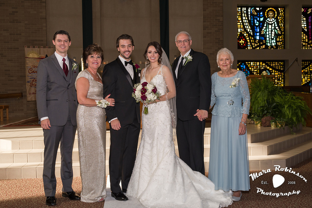 wedding ceremony family portrait by Tallmadge wedding photographer, Akron wedding photographer Mara Robinson Photography