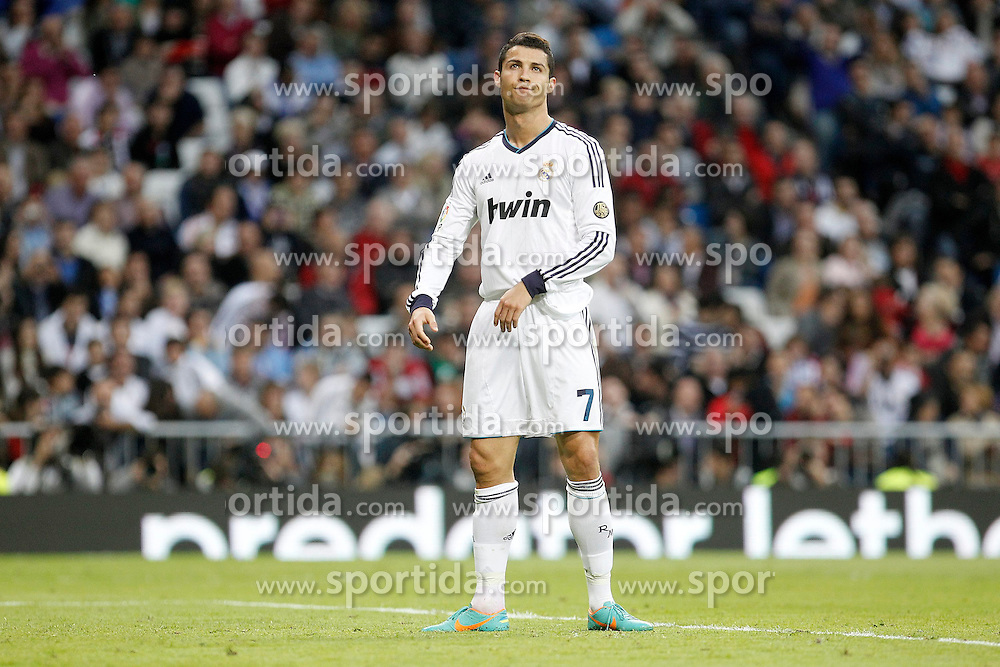 20.10.2012, Estadio Santiago Bernabeu, Madrid, ESP, Primera Division, Real Madrid vs Celta de Vigo, 8. Runde, im Bild Real Madrid's Cristiano Ronaldo dejected // during the Spanish Primera8ivision 8th round match between Real Madrid CF and Celta de Vigo at the Estadio Santiago Bernabeu, Madrid, Spain on 2012/10/20. EXPA Pictures © 2012, PhotoCredit: EXPA/ Alterphotos/ Alvaro Hernandez..***** ATTENTION - OUT OF ESP and SUI *****