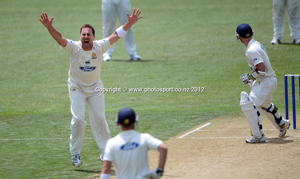 Wellington bowler Mark Gillespie appeals unsuccessfully. Plunket Shield Cricket, Auckland Aces v Wellington Firebirds at Eden Park Outer Oval. Auckland on Tuesday 27 November 2012. Photo: Andrew Cornaga/Photosport.co.nz