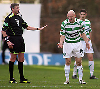 Photo: Paul Thomas.<br /> Motherwell v Glasgow Celtic. Bank of Scotland Scottish Premier League. 30/12/2006.<br /> <br /> A disappionted Thomas Gravesen (R) of Celtic has words to referee Charlie Richmond.