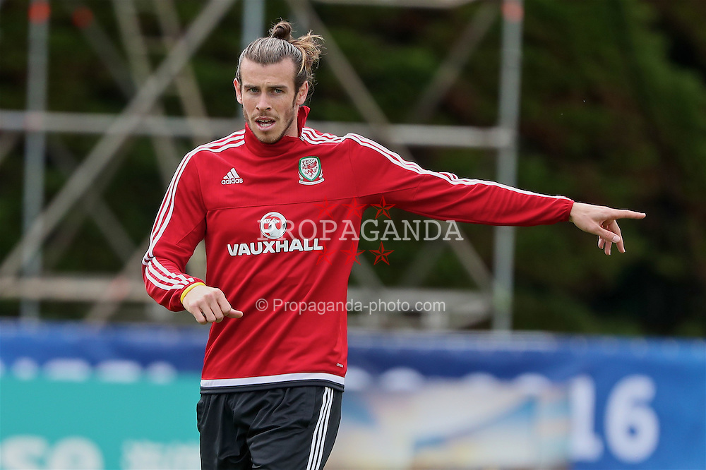 DINARD, FRANCE - Tuesday, June 14, 2016: Wales' Gareth Bale during a training session at their base in Dinard during the UEFA Euro 2016 Championship. (Pic by David Rawcliffe/Propaganda)