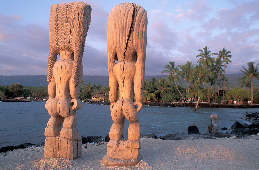 Wood Statues, Pu Uhonua O Honaunau National Historic Park, City of the Refugees,Big Island, Hawaii, USA