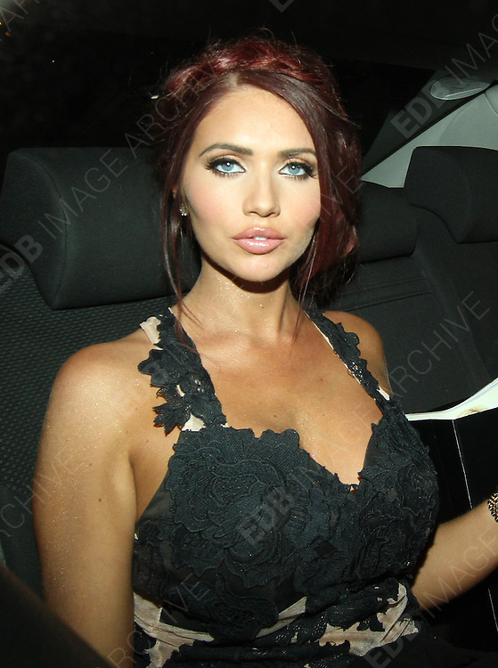 25.SEPTEMBER.2013. LONDON<br /> <br /> AMY CHILDS SEEN LEAVING A CHINESE RESTAURANT IN LONDONS WEST END<br /> <br /> BYLINE: EDBIMAGEARCHIVE.CO.UK<br /> <br /> *THIS IMAGE IS STRICTLY FOR UK NEWSPAPERS AND MAGAZINES ONLY*<br /> *FOR WORLD WIDE SALES AND WEB USE PLEASE CONTACT EDBIMAGEARCHIVE - 0208 954 5968*